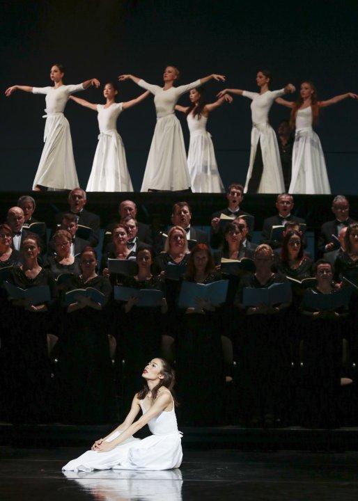 Erina Akatsuka, sólistka Baletu SND, zbor Opery SND, zbor Baletu SND<br><small>Autor: Ctibor Bachratý, 2016</small>