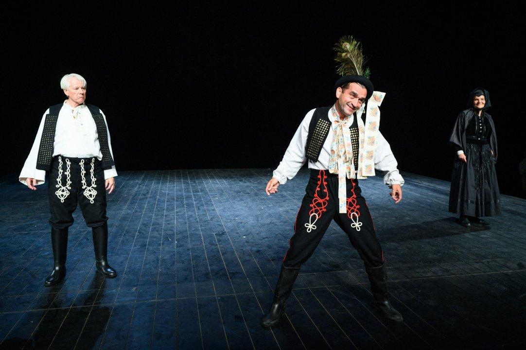 Emil Horváth (Lovecký), Milan Ondrík (Kubo), Jana Oľhová (Eva Košáriková)<br><small>Autor: Braňo Konečný, 2020</small>
