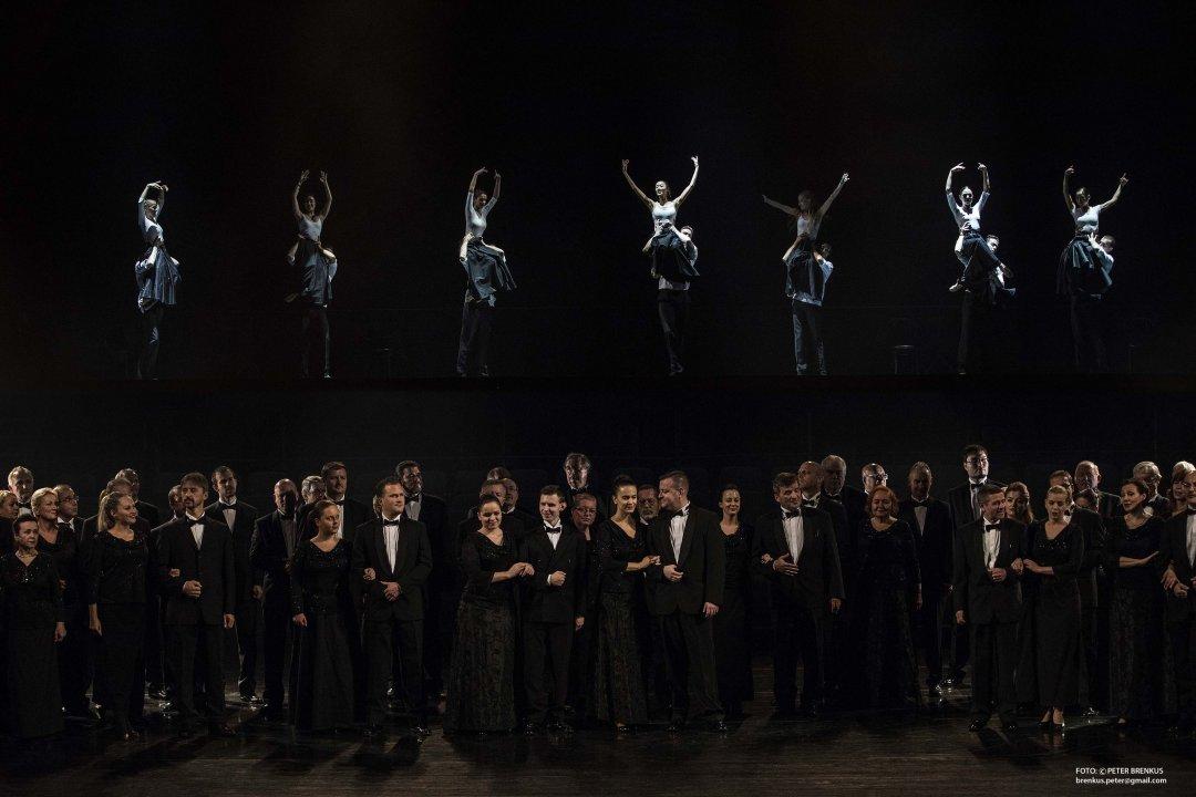 Scéna (zbor Opery SND, zbor Baletu SND)<br><small>Autor: Ctibor Bachratý, 2016</small>